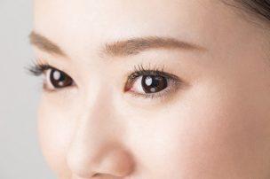 女性の眉毛アップ