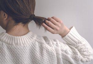女性の髪の毛とうなじ